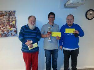 Grenzturneringens vinder Michel Langner, Fle, flankeres af no. 3 Palm og no 2 Tobias Lindgaard, Ribe.